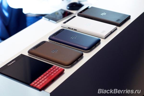 BlackBerry-Classic-White-Blue-Bronze_002